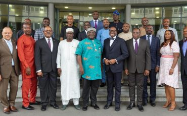 pr-governor-of-the-abia-state-and-his-delegation
